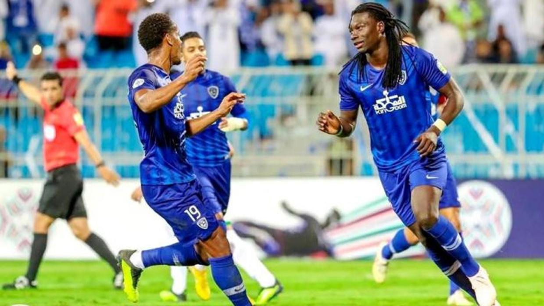 الهلال يستغل سقوط النصر و يقفز لصدارة الدوري السعودي بالفوز على أبها