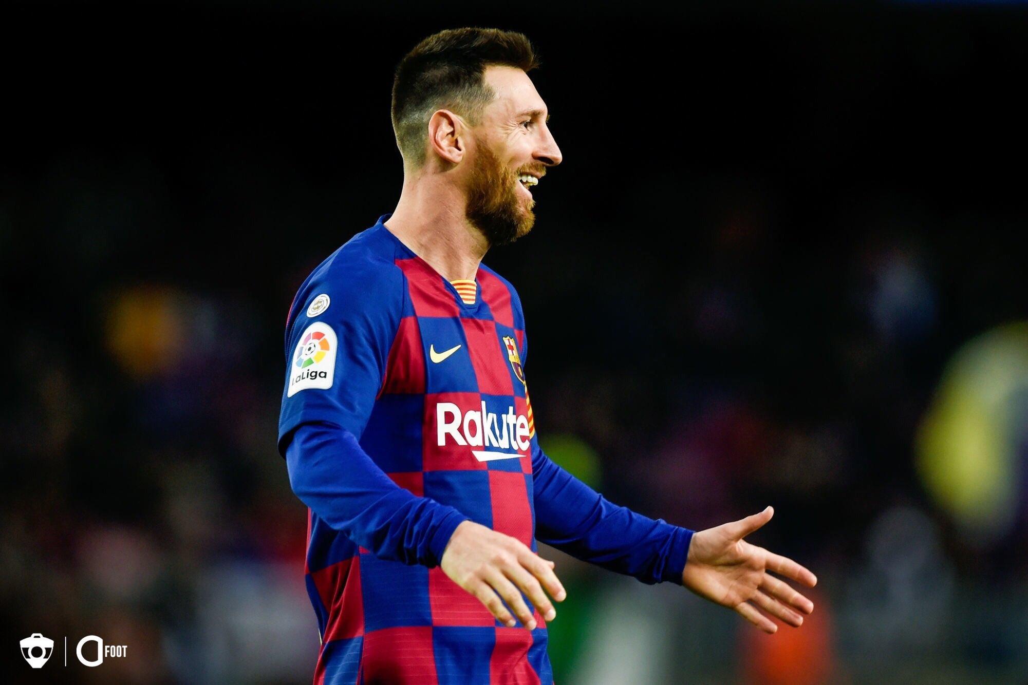 ميسي يقود برشلونة لاستعادة صدارة الليغا بفوز صغير على غرناطة