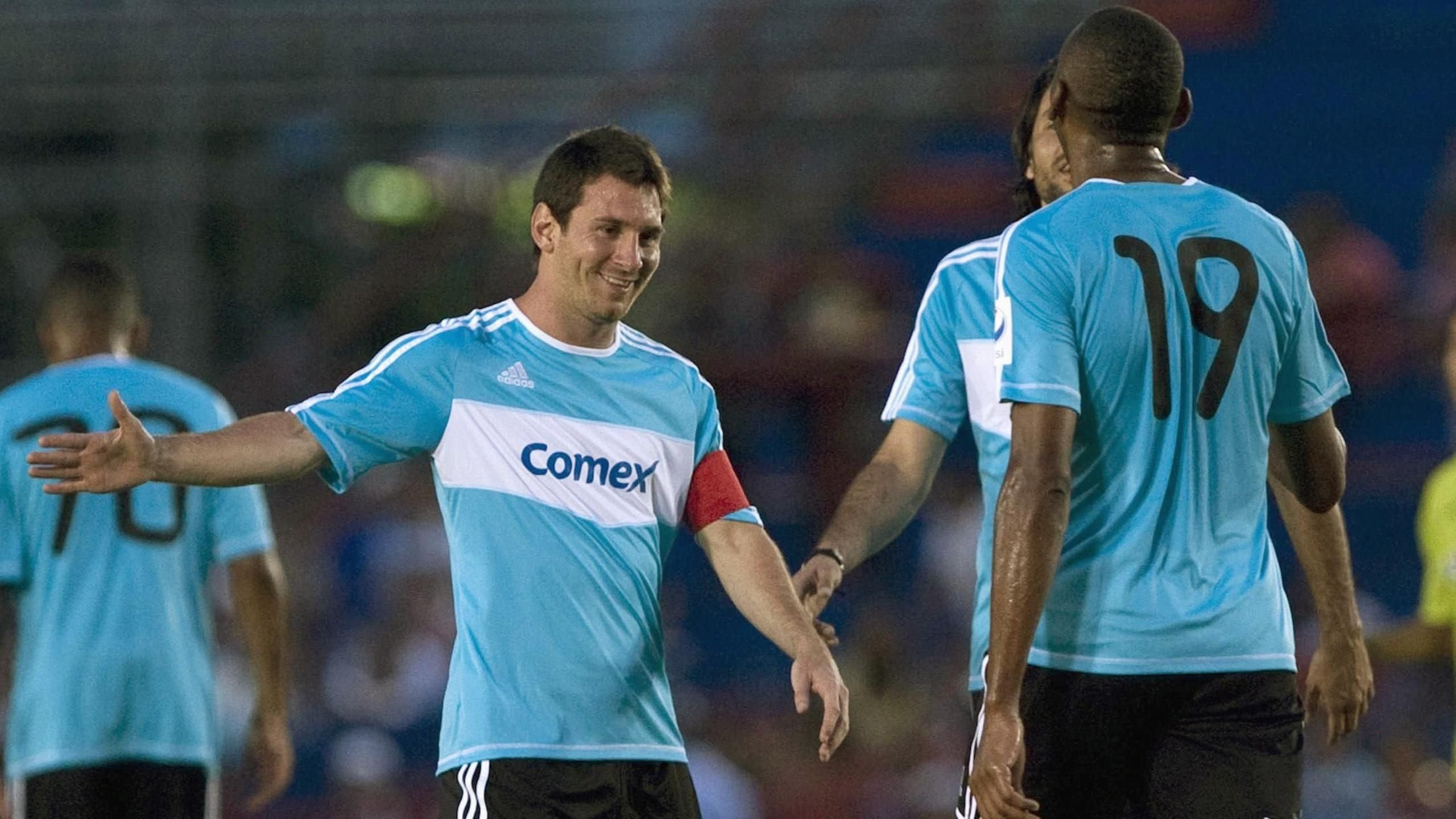 لعب مع ميسي واليوم تسلمه السلطات الكولومبية إلى أمريكا .. تعرف على السبب