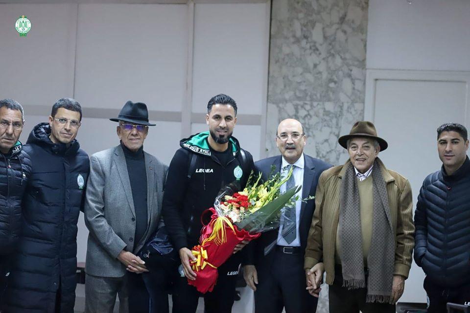 الترجي التونسي يكرم هشام أبوشروان ويقيم حفل عشاء على شرف النسور