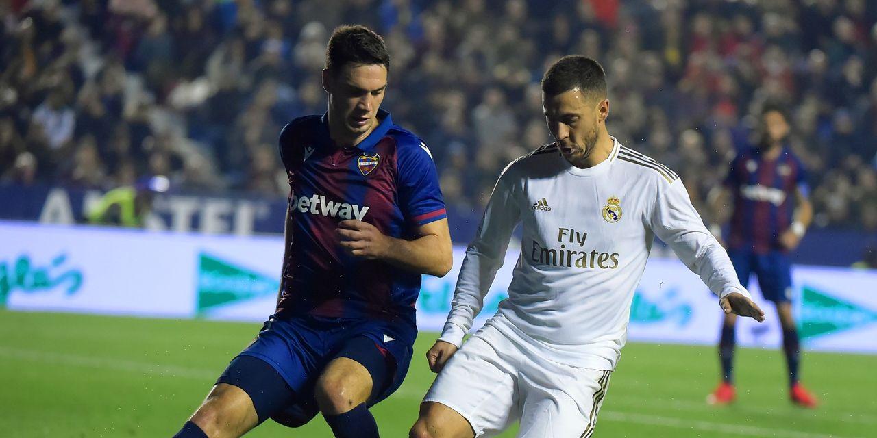 ريال مدريد يسقط أمام ليفانتي ويخسر صدارة الليغا قبل الكلاسيكو