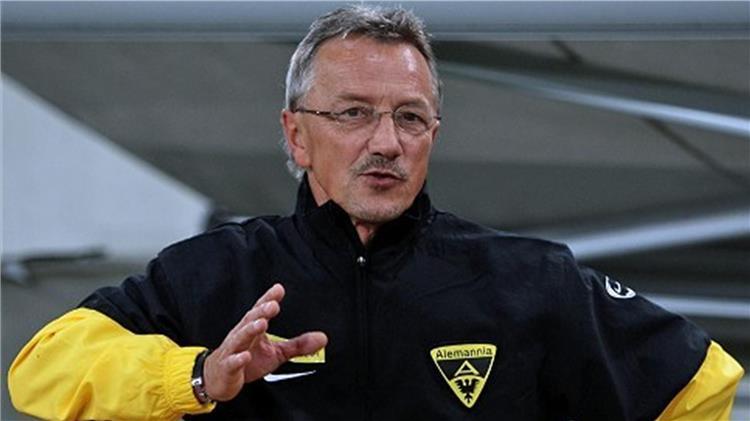 """المدرب الألماني كروجر: """"الفرص متساوية بين الأهلي والبايرن"""""""