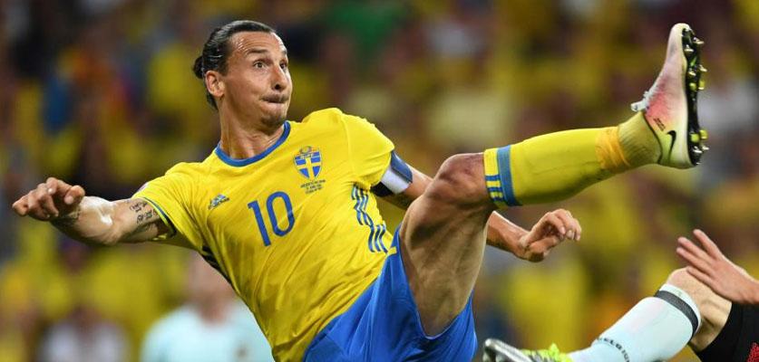 إبراهيموفيتش يبكي بعد عودته لمنتخب السويد مجدداً