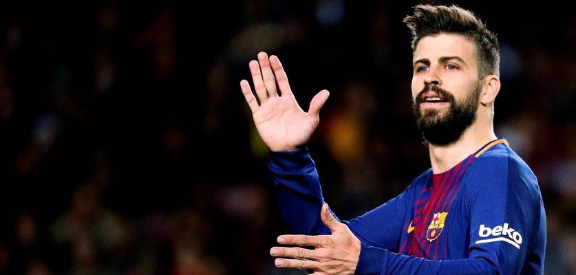 إصابة بيكيه تخلق الجدل داخل برشلونة قبيل مباراة PSG