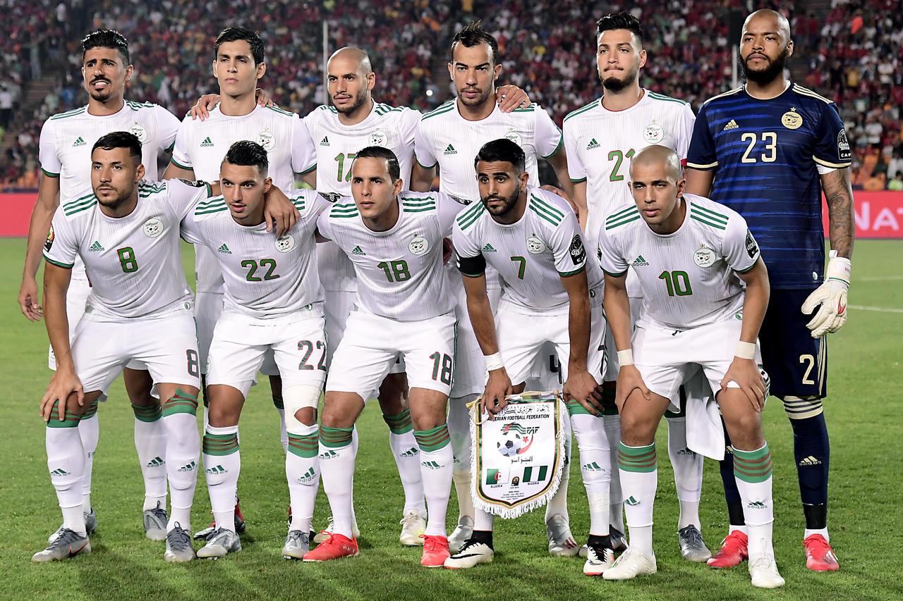 أنطونيو كونتي يطالب إنتر ميلان بالتعاقد مع لاعب جزائري