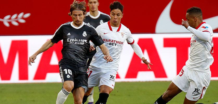 ريال مدريد وإشبيلية في مواجهة الخطوة الكبيرة نحو لقب الدوري الإسباني