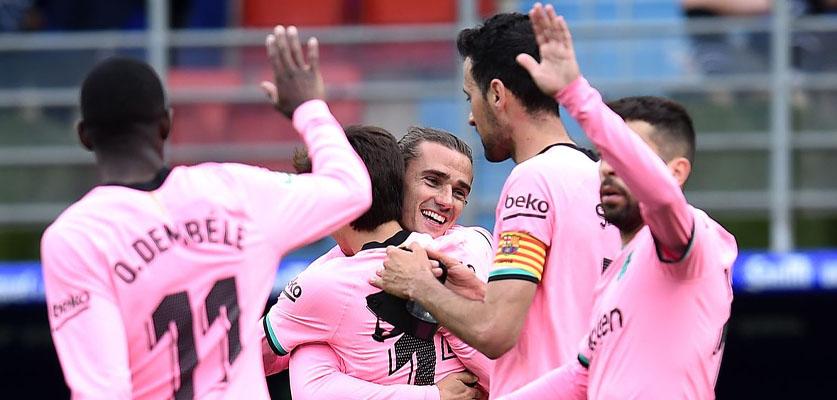 """برشلونة ينهي موسمه في """"لاليغا"""" بالفوز على إيبار"""