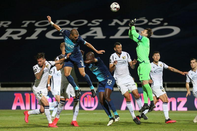بورتو ينهزم خلال استئناف الدوري البرتغالي أمام مضيفه فاماليكاو