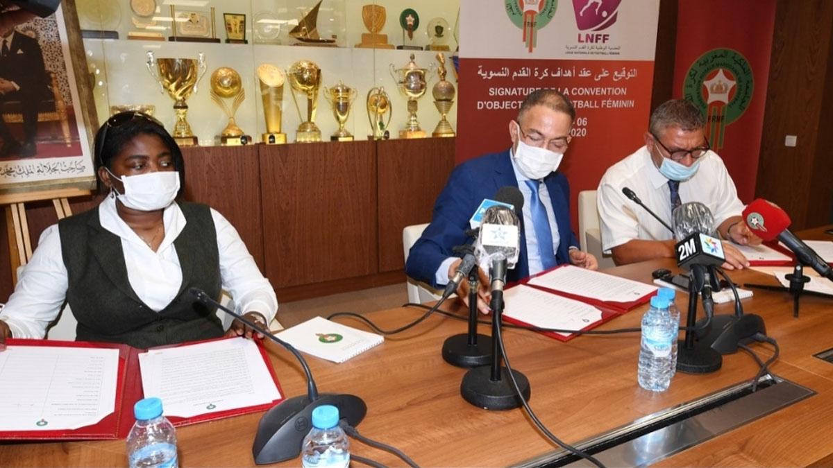 الجامعة الملكية المغربية لكرة القدم توقع عقدا جديدا للنهوض بكرة القدم النسوية