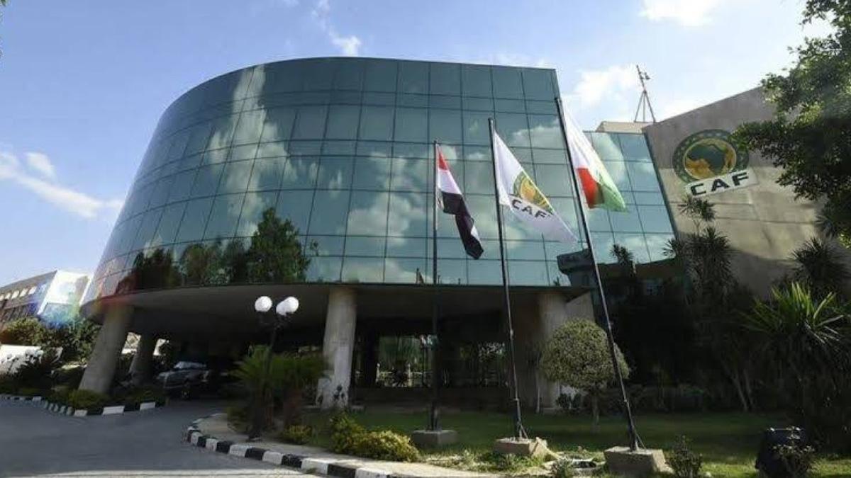 الكاف يفتح باب الترشيح لرئاسة الهيئة الكروية القارية