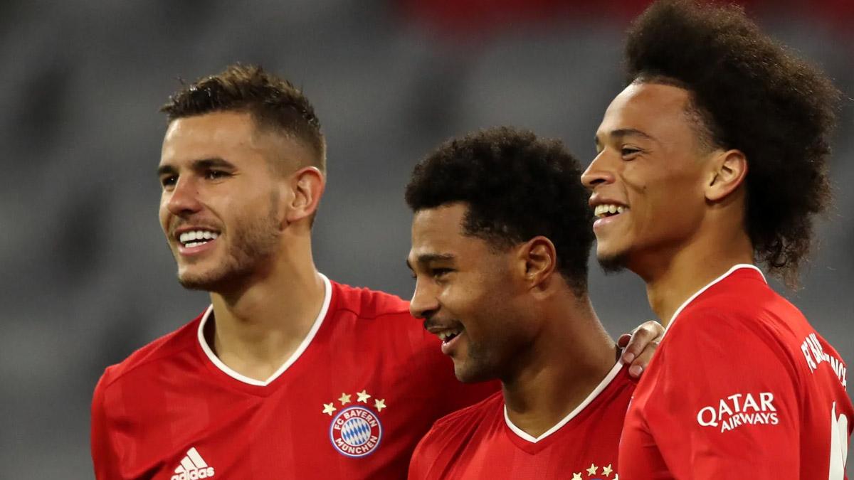 بايرن ميونخ يفوز على شالكة بثمانية أهداف في افتتاحية الدوري الألماني
