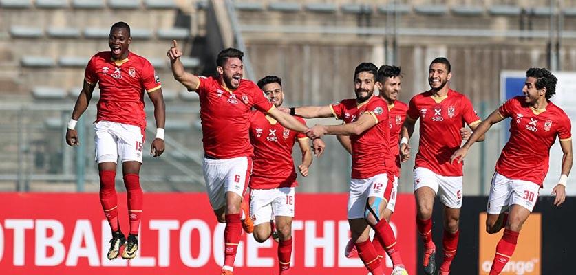 الأهلي المصري يسارع الزمان لتجديد عقود ثلاث ركائز قبل بداية الموسم الجديد