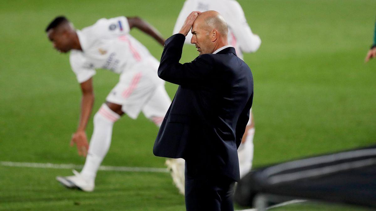 ريال مدريد يهزم برشلونة بثلاثية في كلاسيكو إسبانيا