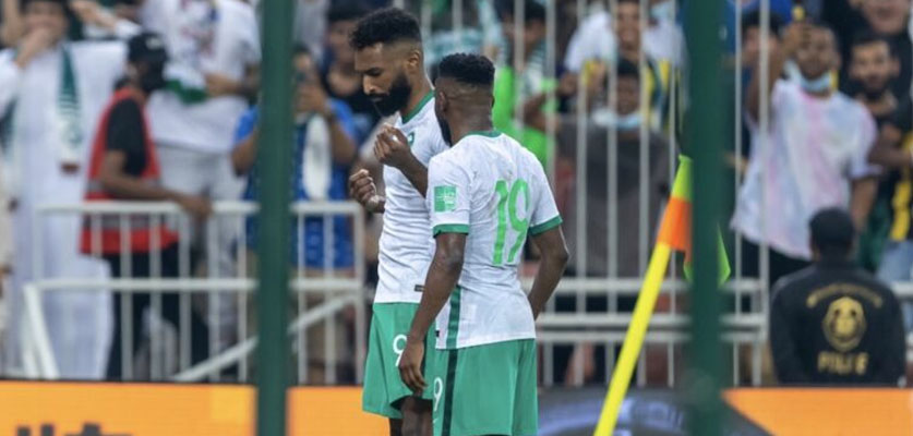 مونديال 2022: السعودية تفوز على الصين بثلاثية وتنفرد بالصدارة