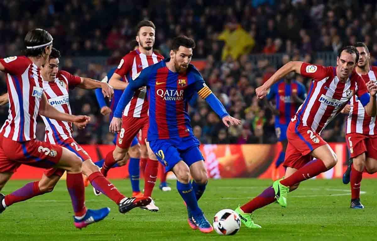 أتلتيكو مدريد و برشلونة مواجهة القمة في الدوري الإسباني
