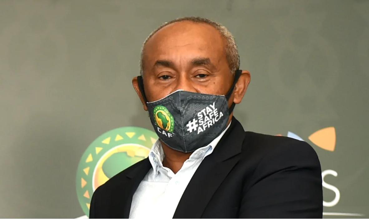 """""""الفيفا"""" يوقف أحمد أحمد لخمس سنوات بسبب قضايا فساد مالي"""